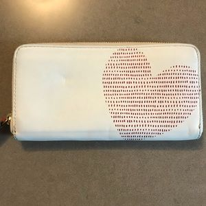 Fossil heart wallet